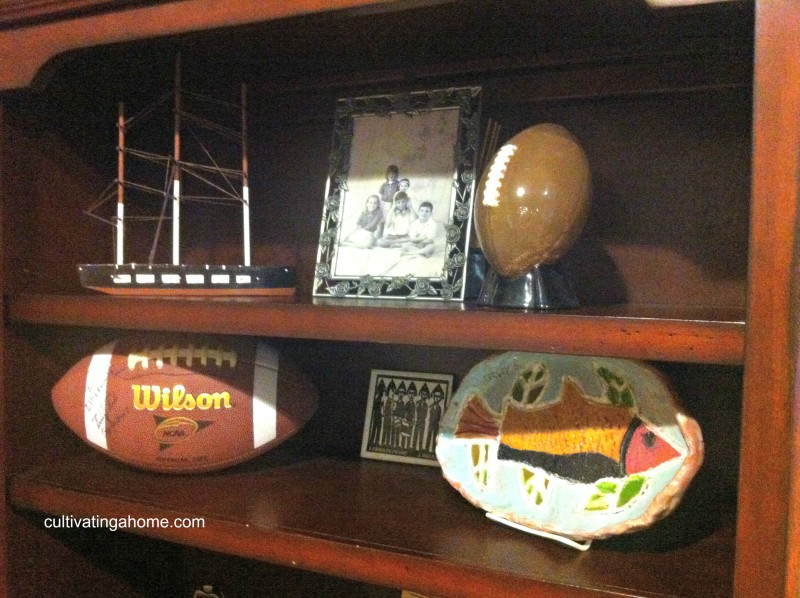 shelf-with-kids-artwork